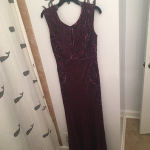 Adrianna Papell Cassis Beaded Keyhole Gown Size 8
